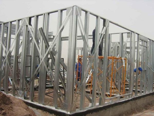 Khung thép nhà tiền chế cũng cần được bảo vệ