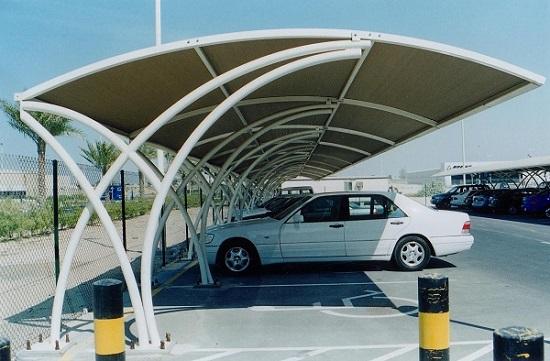 Nên lựa chọn loại mái che để xe ô tô nào?